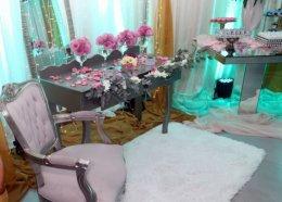 Lounge e mesa de doces